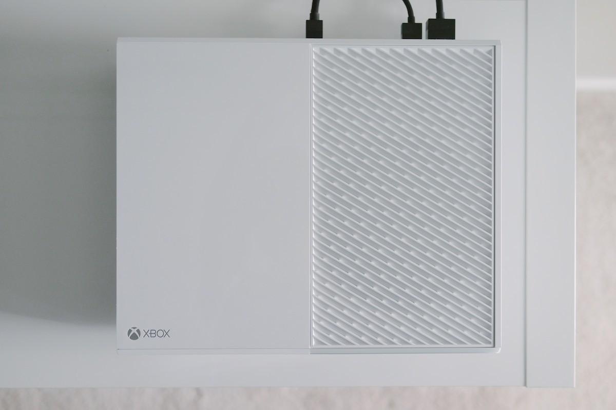 Xbox One white לבנה 02